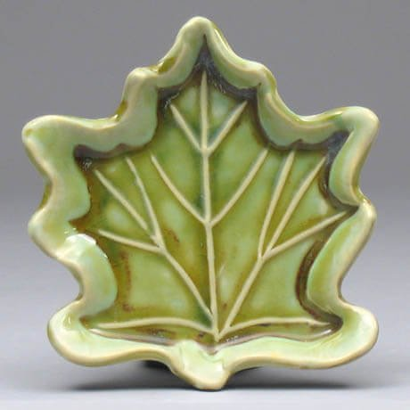 green leaf porcelain soap dish